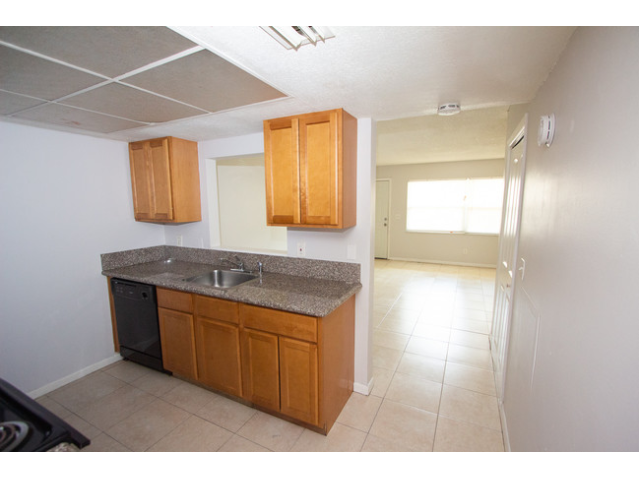 Kitchen with tile floor sideview